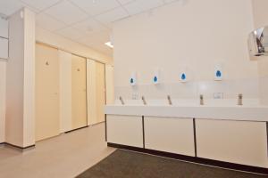 Quarry Hill Academy - Toilet Refurbishment